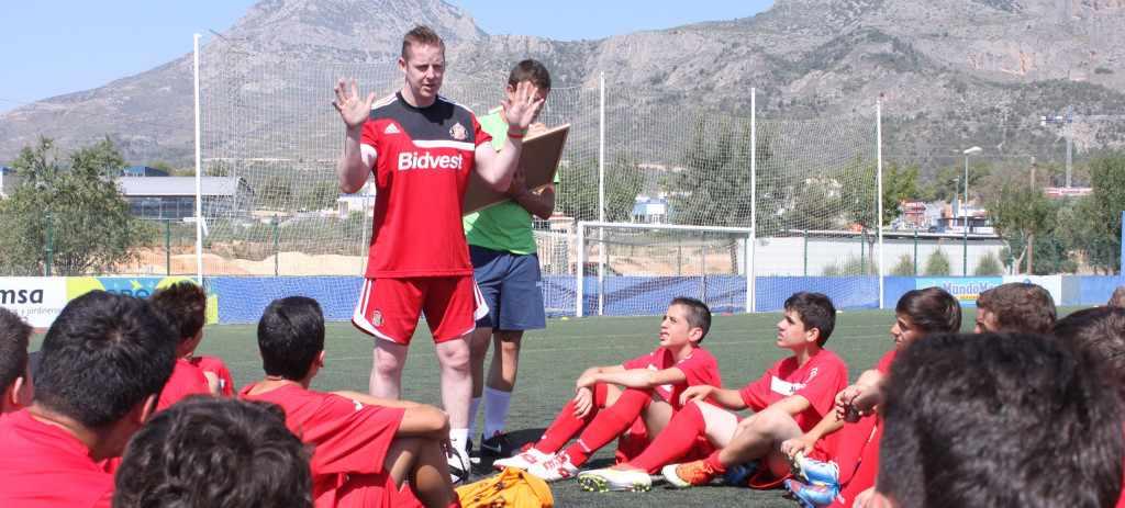 Escuela de fútbol con inglés en Valencia