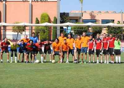 Partido con los entrenadores ingleses y los alumnos