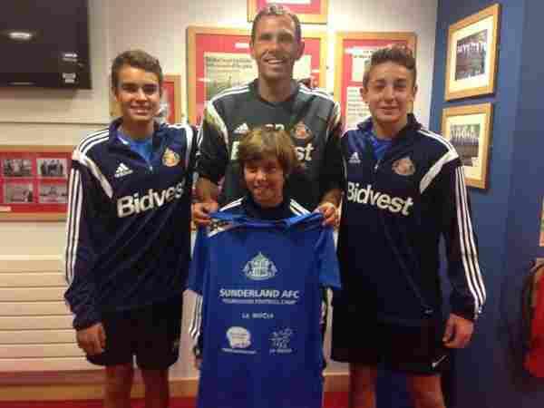 Encuentro con el entrenador del Sunderland Gustavo Poyet