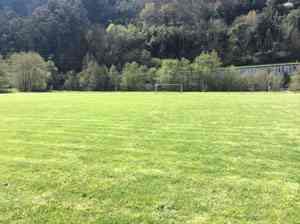 campo de fútbol campus en inglés en Asturias