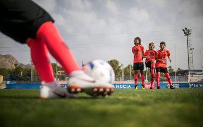 Por qué apuntar a tus hijos a un campus de fútbol en verano